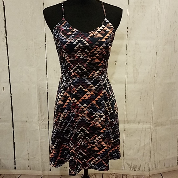 Banana Republic Dresses & Skirts - Banana Republic geometric dress Sz 4